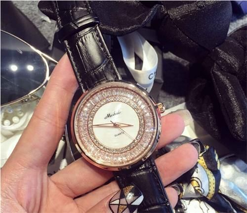 $34.00 (Buy here: https://alitems.com/g/1e8d114494ebda23ff8b16525dc3e8/?i=5&ulp=https%3A%2F%2Fwww.aliexpress.com%2Fitem%2F7-Colors-Women-Rhinestone-Watches-Lady-Shining-Dress-Watch-Big-Diamond-Stone-Wristwatch-Lady-Genuine-Leather%2F32435760226.html ) 7 Colors! Women Rhinestone Watches Lady Shining Dress Watch Big Diamond Stone Wristwatch Lady Genuine Leather Watch Mashali9203 for just $34.00