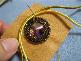 TUTORIAL- soutache around a rivoli. Beads, Fibre & More Goodness: August 2012