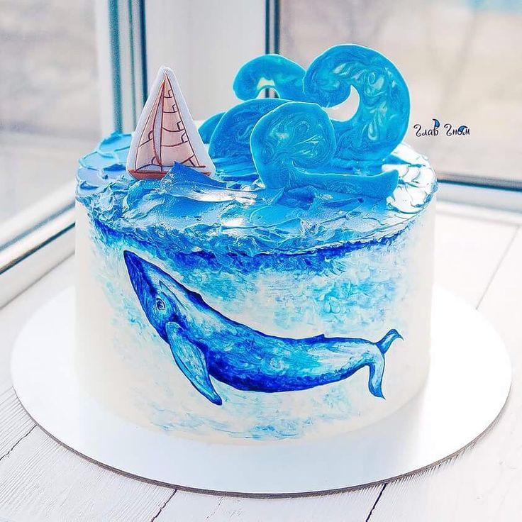 Когда Любовь к морю всегда в душе ...  Шоколадный торт с лёгкой ноткой бейлис,  с карамельно-шоколадным кремом и карамелизированным миндалём.  Рисунок выполнен по крему, парусник-имбирный пряник, декор из шоколада. Автор instagram.com/glavgnom