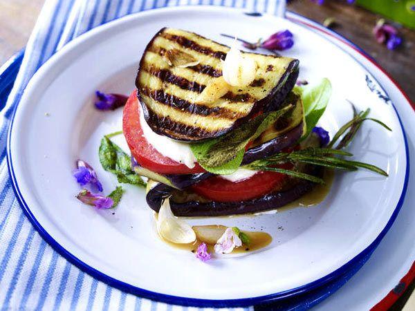 Vegetarisch grillen - Gemüse und Käse vom Rost - saltimbocca-aubergine  Rezept