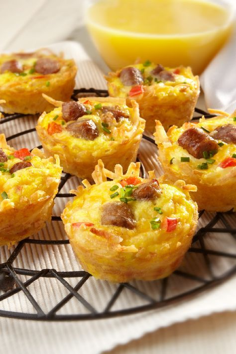 Amazing Muffin Cups – Mexican cheese, ORE-IDA Shredded Hash Brown Potatoes, and sausage make for some Amazing Muffin Cups! Check out the full recipe to add this savory flavor combination to your brunch table.