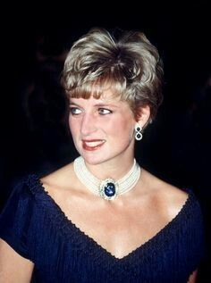 Update: October 29, 1991: The Prince Charles and Princess Diana Of Wales with Prime Minister Brian Mulroney and his wife Mila at a gala evening at the National Arts Centre in Ottawa for an official lunch hosted by the Governor-general of Canada.The Princess wore a dark blue fringed cocktail dress for this occasion (info from Duchesseorange)