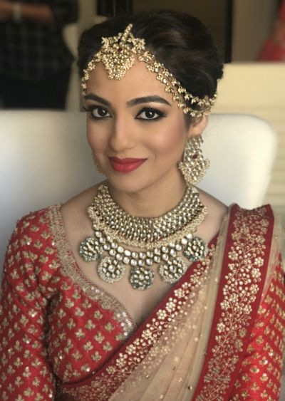 Indian Wedding Jewlry - Bride in a Polki and Gold Set with a Gold Matha Patti | WedMeGood Makeup by: Shamita Gogia Makeup Artist #wedmegood #indianbride #indianwedding #indianweddingjewlery #weddingjewlery #bridal #jewelry