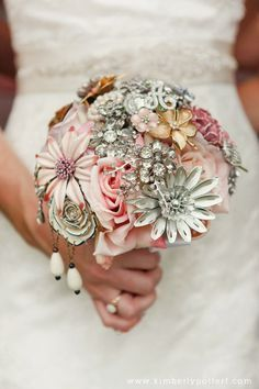 For several years, The Ritzy Rose has driven trends within the alternative bouquet design industry. Their innovative style of mixing jewelry with fabric flowers offers you a new option that both costs