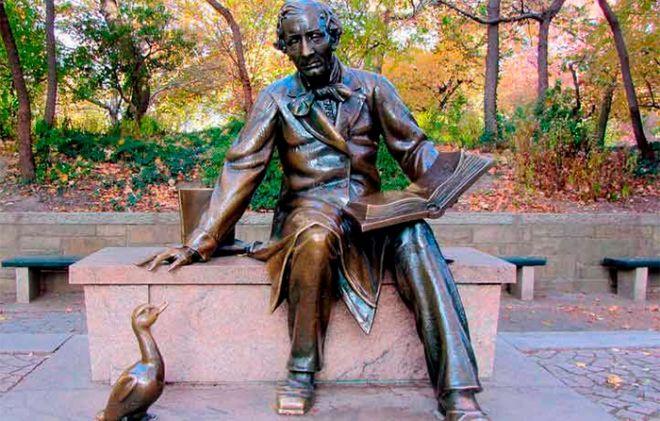 Día Internacional Del Libro Infantil Sabes Quién Escribió El Patito Feo Central Park Libro Infantil La Literatura Infantil