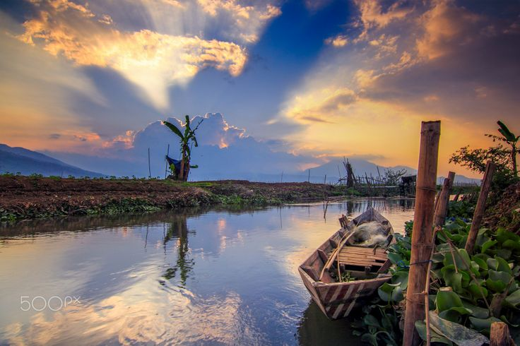 a Boat by Franciscus Satriya Wicaksana