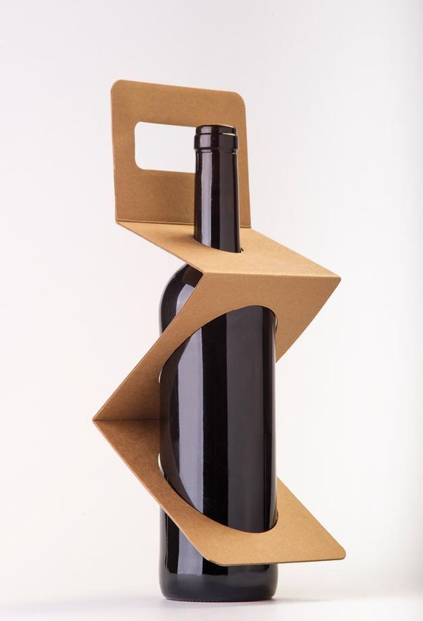 Pleated Bottle Packaging - The ZigPack is an Eco-Friendly, Effective and Exposing Wine Tote (GALLERY)