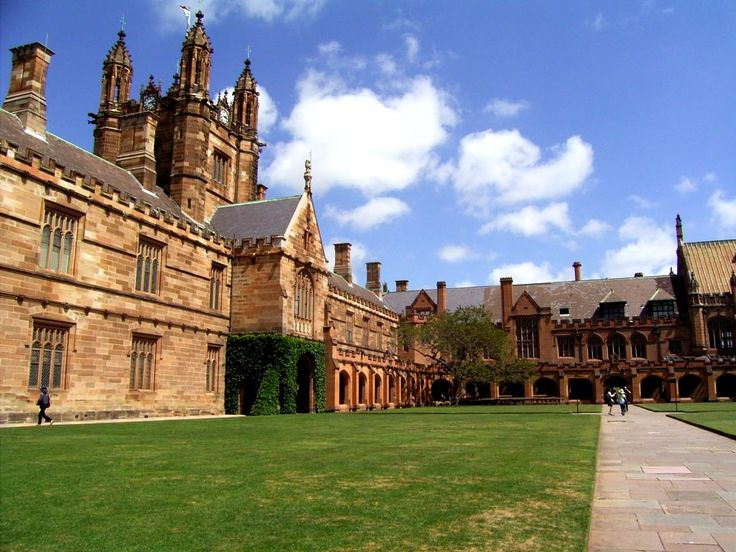 University of Sydney Main Quadrangle, by Kitty Saturn, Sydney, New South Wales, Australia. Wikipedia Commons