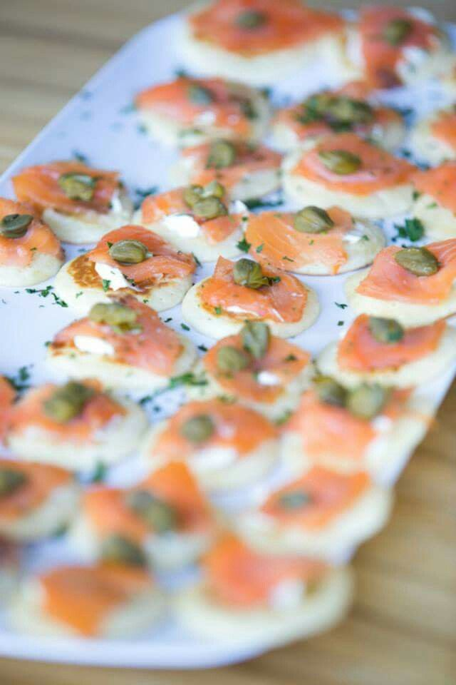 Picnic Wedding food : Salmon blinis