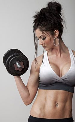 Best forearm exercises for women to tone and strengthen the arms at home. Best forearm dumbbell exercise, weight training workout tips, and more!