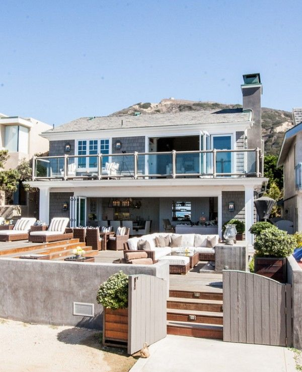 Sally Lee by the Sea | California Beach House! | http://nauticalcottageblog.com