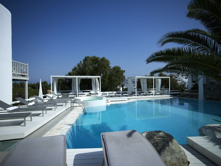 Did you know that during the winter season all our swimming pools are operational and that our Garden Pool is heated? Isn't that just perfect!? http://www.semelihotel.gr/  #Semeli #SemeliHotel #Mykonos #SwimmingPools #Pools