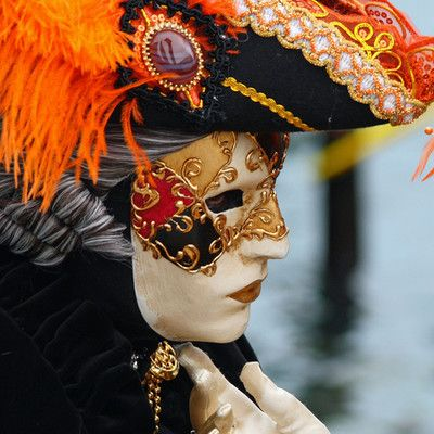 Where does this mask come from? Venice.