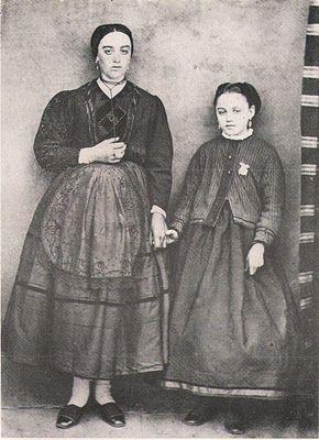 Madre e hija, década de 1860.