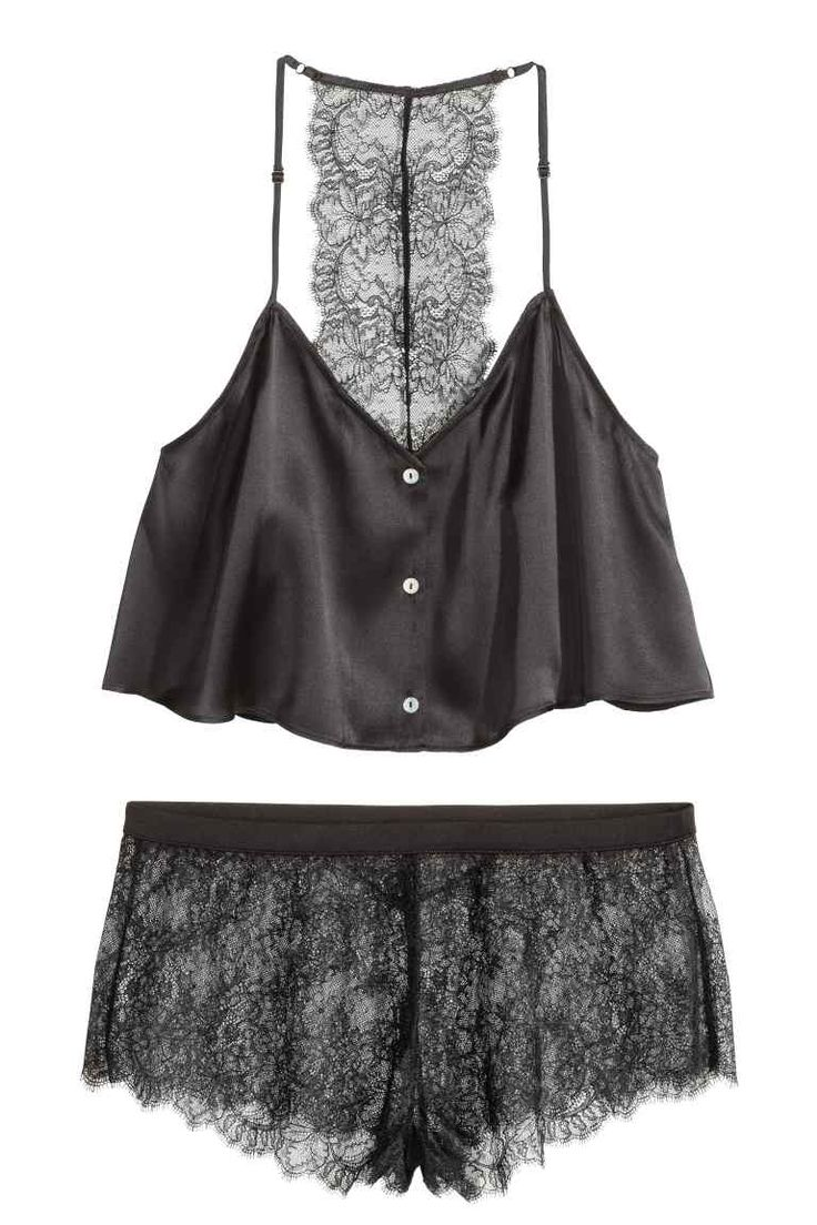 Pijama em seda e renda | H&M