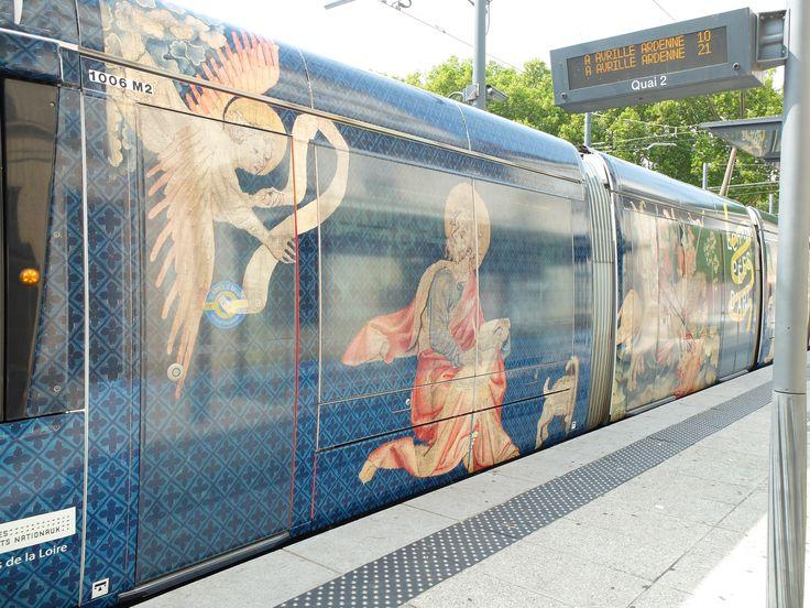 Le tramway tapissé pour Echappées d'art -