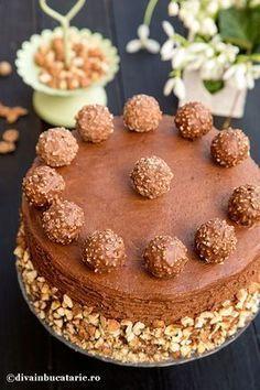Zilele speciale din viata noastra cer ceva special. Tort Ferrero Rocher sau declaratia mea de dragoste pentru deserturi ciocolatoase,