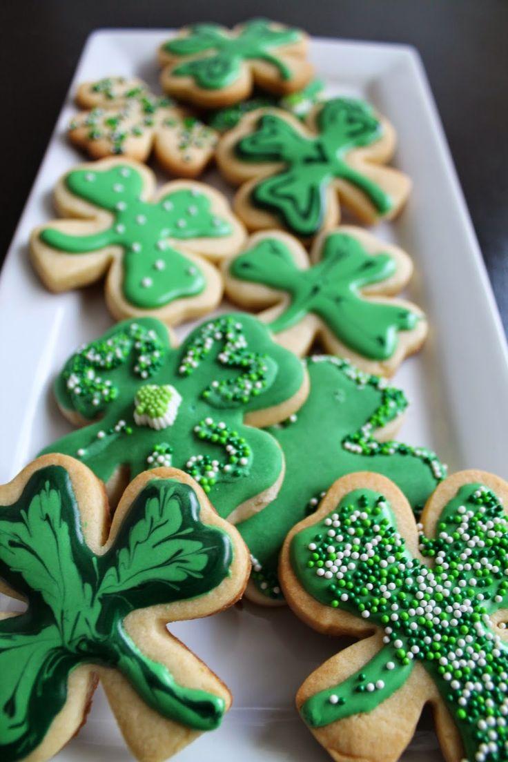 Still in search of my four leaf clover..  St. Patrick's day cookies @ mil grageas.blogspot.com Galletas de trebol para el dia de San Patricio.