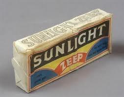Sunlight zeep, mijn favoriete hulp door de jaren heen.
