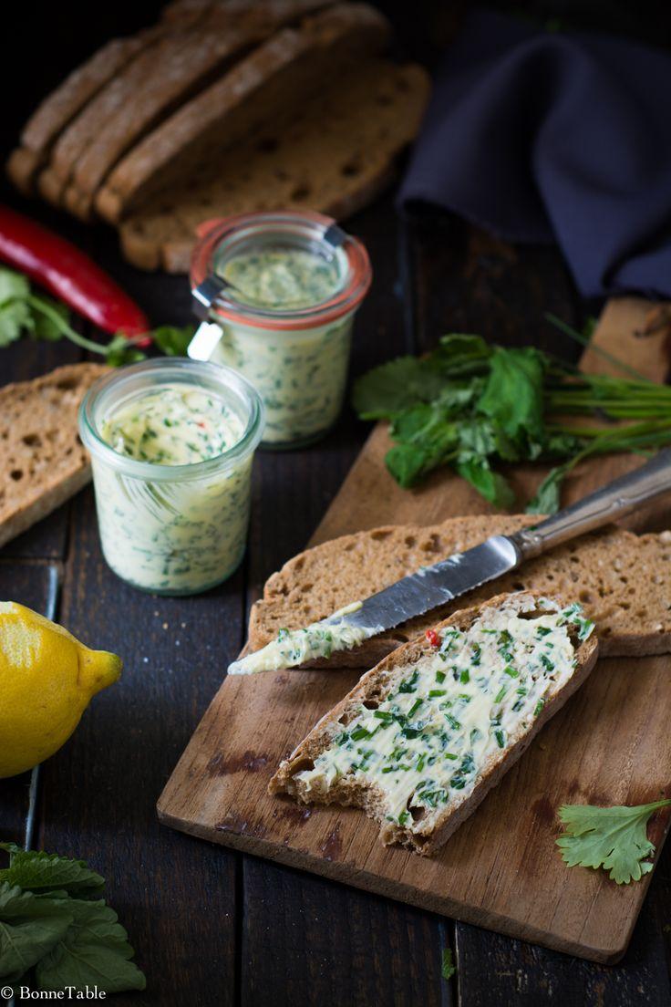 Beurre aux herbes, citron et piment doux