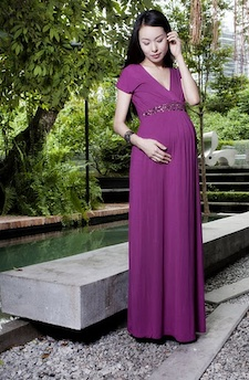 find cute maternity dresses for your baby shower find