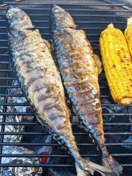 Eenvoud en betaalbare vis leveren een heerlijk barbecuerecept op!