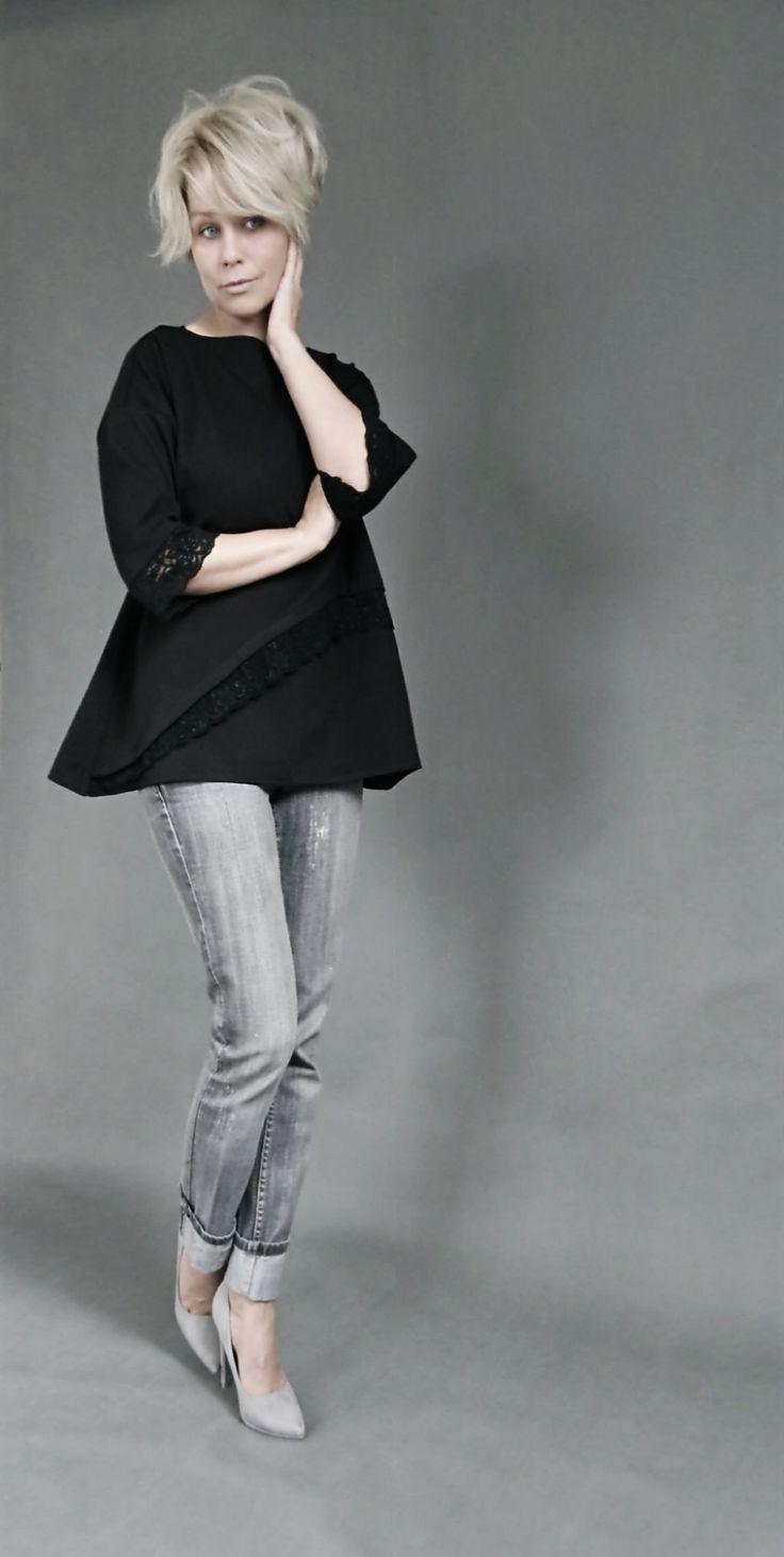Elegant, classic blouse