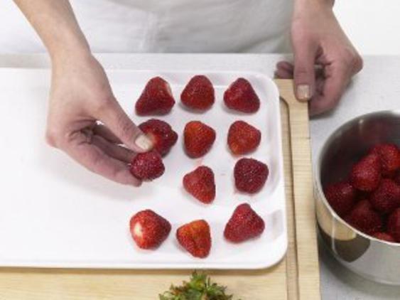 Erdbeeren einfrieren - so einfach geht's - erdbeeren_einfrieren_1