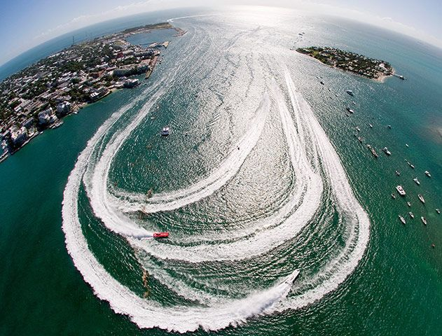 Offshore powerboats make the turn during the first of three race days at the Key West World ChampionshipPhotograph: Andy Newman/Florida Keys News Bureau via Getty Images
