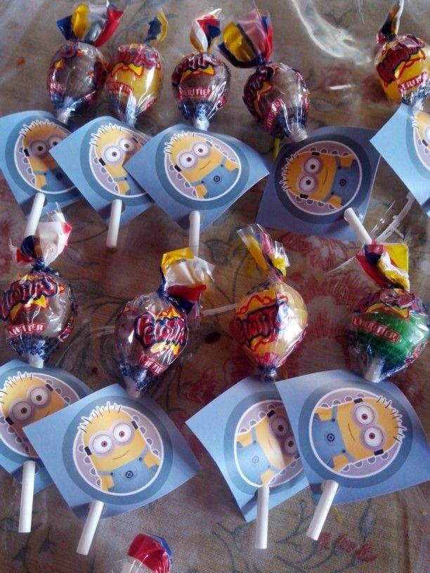 Minion's  Lolly Pops