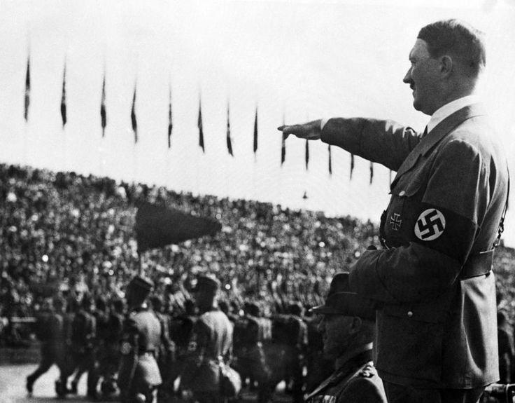 Binnen kurzem eroberte die NSDAP die gesamte Macht über Deutschland. Hitler herrschte er uneingeschränkt über Deutschland – als Kopf einer brutalen Diktatur. Oppositionelle verschwanden in KZs, Juden wurden entrechtet und ausgegrenzt.