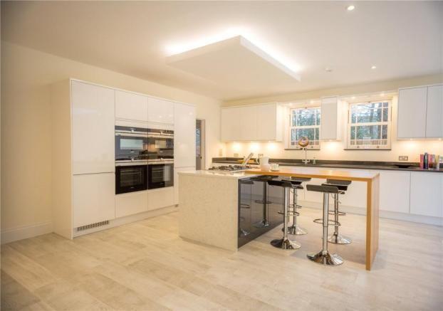 6 bedroom detached house for sale in School Road, Windlesham, Surrey, GU20 - Rightmove | Photos