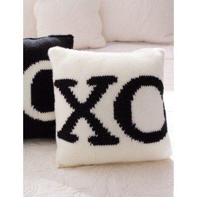 Super Value 39 With A Kiss 39 Pillows Bernat Super Value