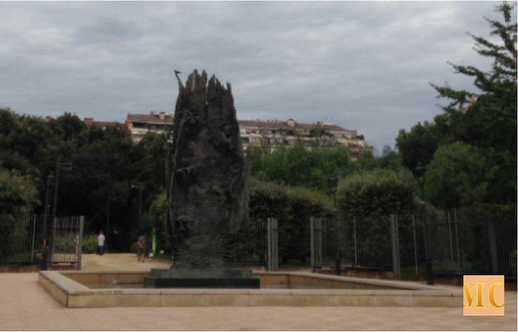 Turó Park  http://unmundocultura.blogspot.com.es/2014/10/de-paseo-por-barcelona-turo-park.html#.VIXG2DGG9TA