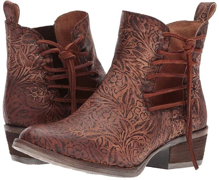 Corral Boots Q5004 Cowboy Boots. These leather floral