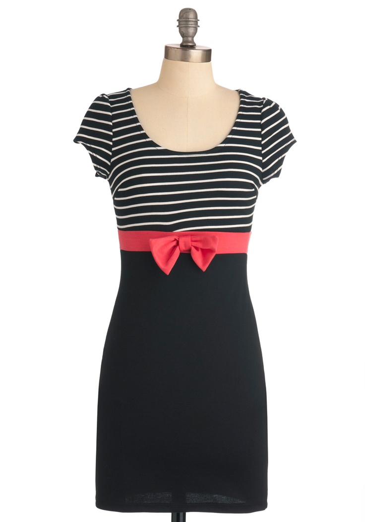 This is so cute! I would love to buy it, but it looks like it'd be a little too short, and I'd want to wear it to work.