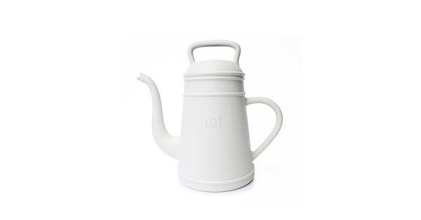Lungo vattenkanna tillverkad i vit HDPE-plast. Stor vattenkanna från Xala Design för hemmet och trädgården.
