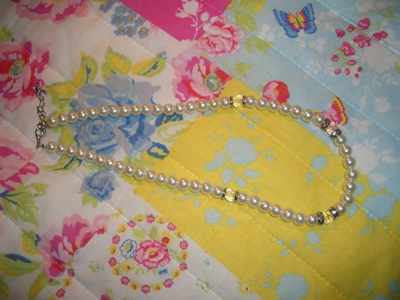 Beautiful Pearl Vintage Necklace by Wondarlust on Etsy, £8.00
