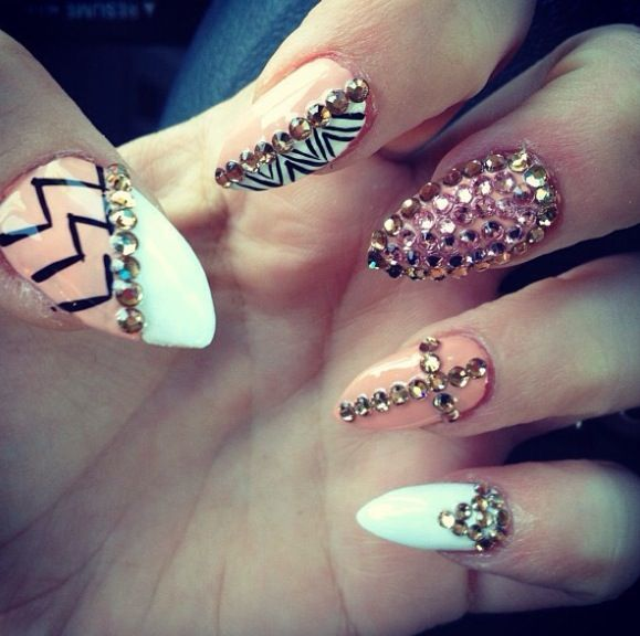 Stiletto Nail Art With Diamonds: 46 Best Nail Art Images On Pinterest