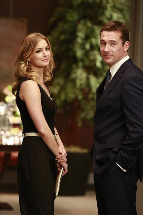 "Emily Thorne and Aiden Mathis Smile in Revenge Season 2, Episode 9, ""Revelations"""