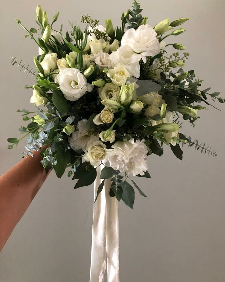 CBR496 wedding Riviera Maya white and greenery messy bouquet/ ramo de novia con follaje u flores blancas