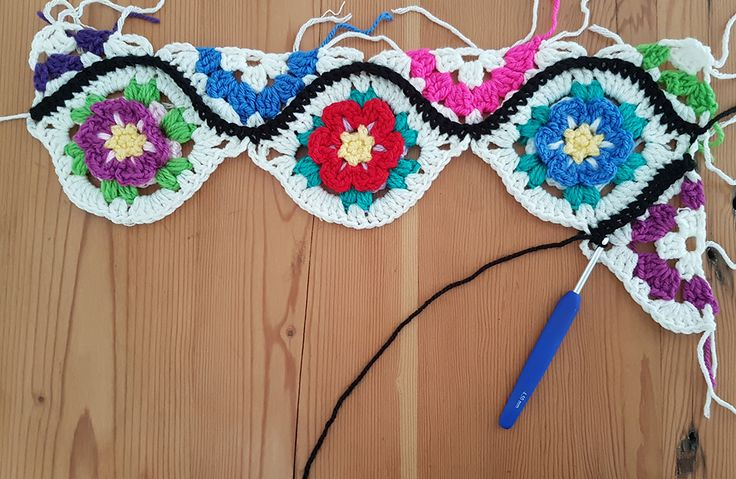 Moroccan Garden: Free crochet pattern for a floral Ogee tile with halves and quarter pieces for squaring off. Make blankets, throws, afghans, scarves, bags, shawls - anything!