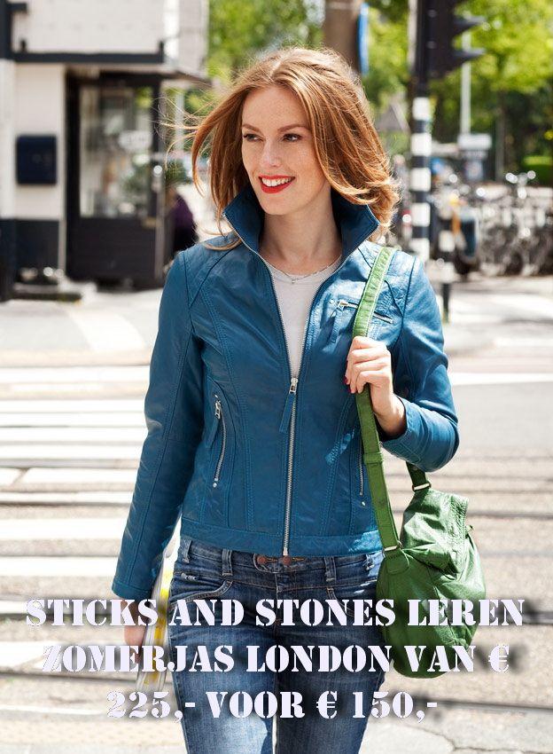 Onze leren zomerjassen zijn NU in de uitverkoop. Kom even langs in de winkel voor alle modellen en kleuren.