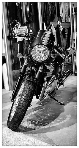 thruxton triumph motor vintage motorcycles and custom bikes. Black Bedroom Furniture Sets. Home Design Ideas