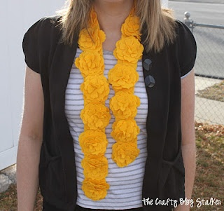The Crafty Blog Stalker: Yellow Felt Flower Scarf