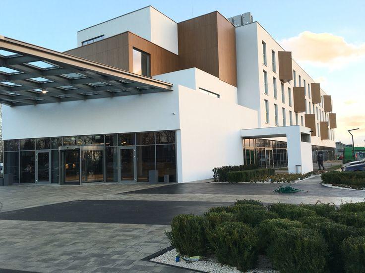 In between Hotel   www.inbetween-hotel.pl