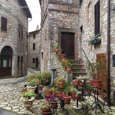 Monte Castello di Vibio (Perugia) http://www.regioneumbria.eu/en/web/umbria/i-comuni-dell-umbria #MonteCastellodiVibio #Borghi #Villages #Umbria #Italia #Italy #IlikeItaly #ItalianVillages #borghidItalia