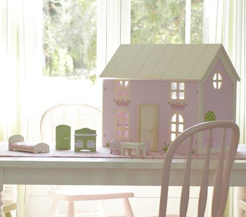 Love Doll houses!!!!
