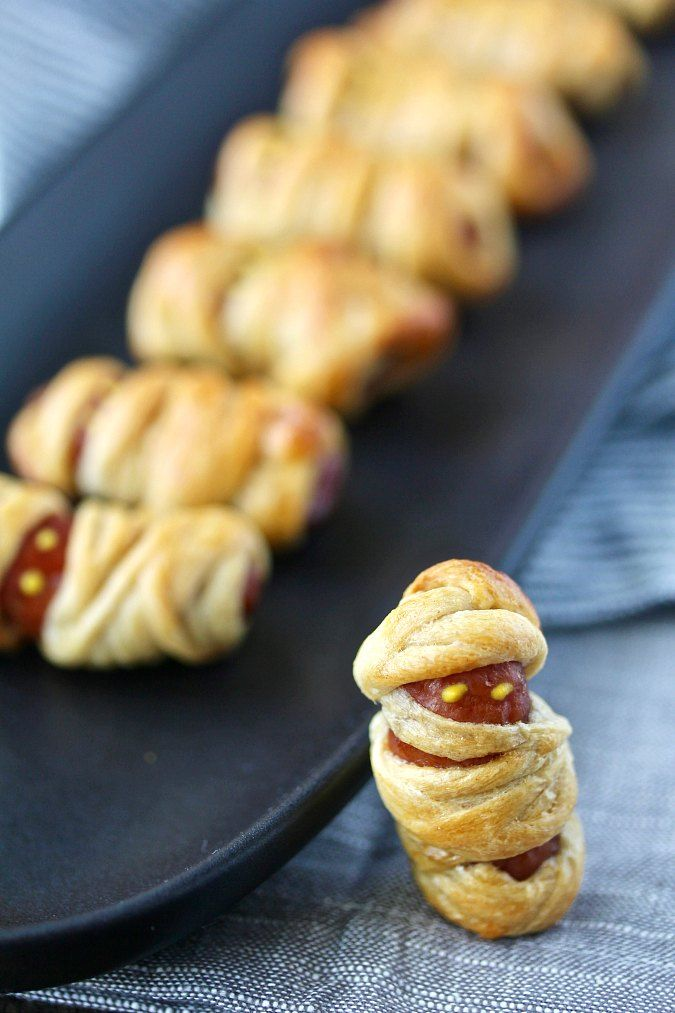 mini hot dog mummies