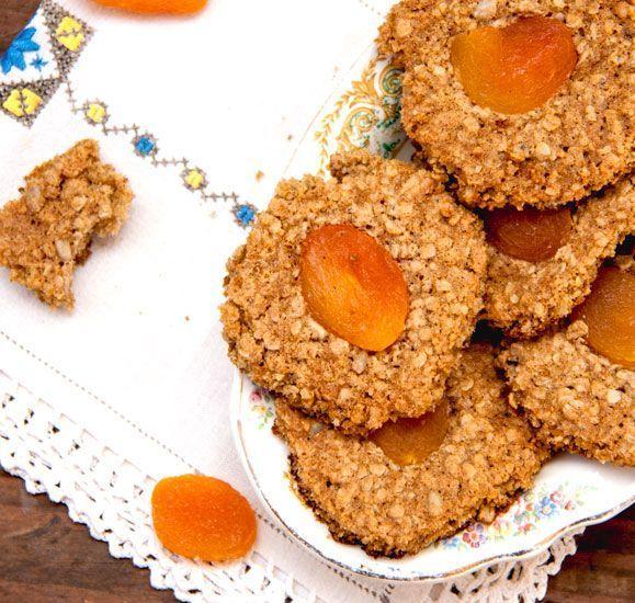 Biscuits santé aux flocons d'avoine et abricots secs, Recette Ptitchef